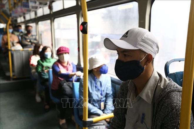 Bộ Giao thông Vận tải yêu cầu hành khách vẫn phải đeo khẩu trang trong suốt thời gian di chuyển - ảnh 1