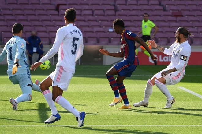 Messi cùng Barcelona thất thủ ngay trên sân nhà trước Real Madrid ở trận Siêu kinh điển - ảnh 2