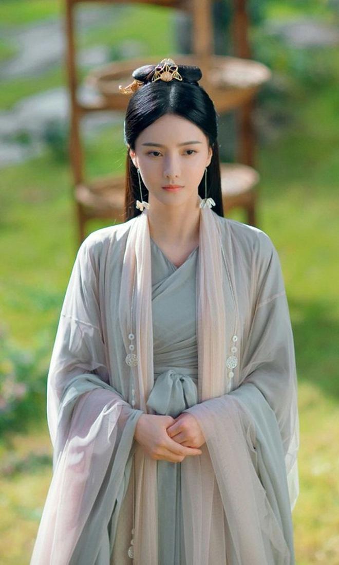 Người tình màn ảnh Triệu Lệ Dĩnh bị tóm gọn khoảnh khắc hẹn hò tình nhân tin đồn của Ngô Tú Ba - ảnh 3