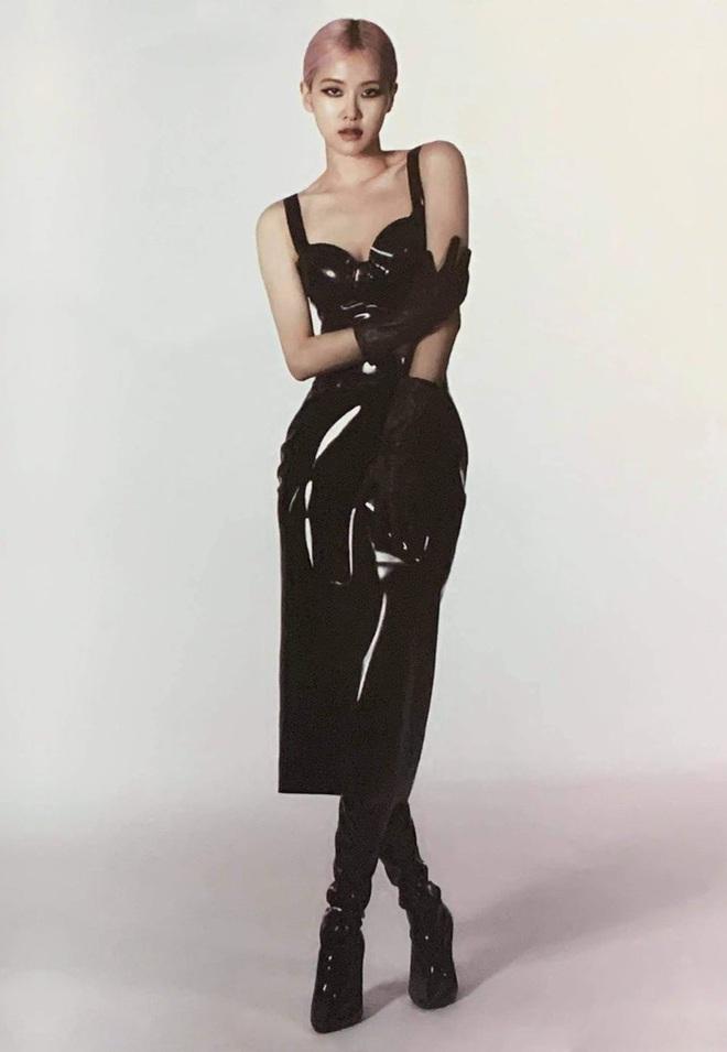 Sốc nhẹ bộ ảnh tạp chí mới của Rosé (BLACKPINK): Son đỏ chót, lên đồ da bóng lộn, vòng 1 khiêm tốn sao sang thế này? - ảnh 5