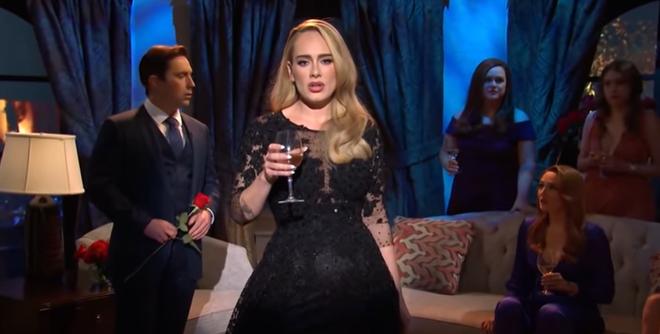 Lần đầu hát live sau 4 năm, Adele vì hồi hộp mà để lộ giọng hụt hơi và xuống sức, thông tin về album mới khiến ai cũng hụt hẫng? - ảnh 2