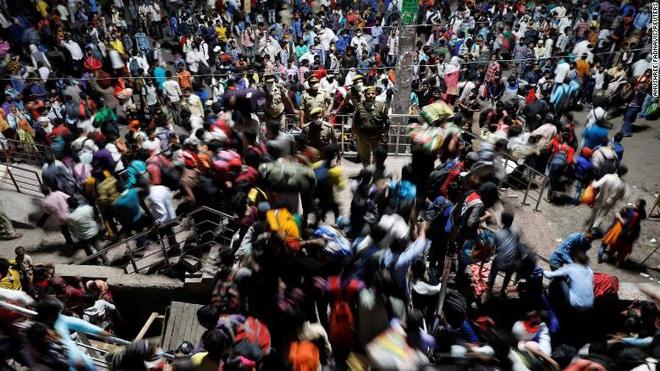 Covid-19 bất ngờ kéo theo cơn khủng hoảng tăm tối hơn nữa tại đất nước 1,3 tỉ dân: Bắt cóc và buôn bán trẻ em - Ảnh 5.
