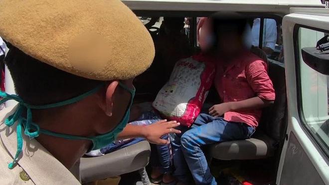 Covid-19 bất ngờ kéo theo cơn khủng hoảng tăm tối hơn nữa tại đất nước 1,3 tỉ dân: Bắt cóc và buôn bán trẻ em - ảnh 8