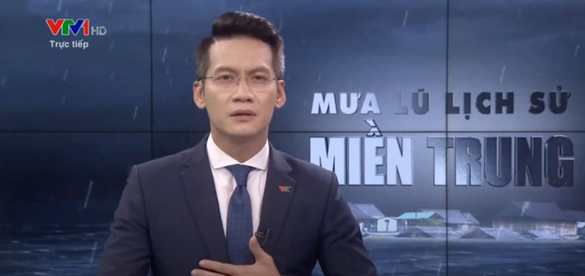 BTV của VTV nghẹn ngào, không nói thành lời trên sóng trực tiếp trong chương trình về mưa lũ miền Trung - ảnh 1