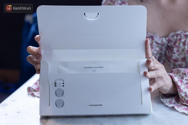 Mở hộp, trải nghiệm khẩu trang Apple hàng limited tại Việt Nam - ảnh 2