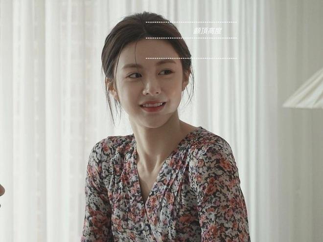 Gái Hàn có chiêu làm tóc biến mặt tròn thành thanh thoát, cực đơn giản chẳng cần ra tiệm - ảnh 1