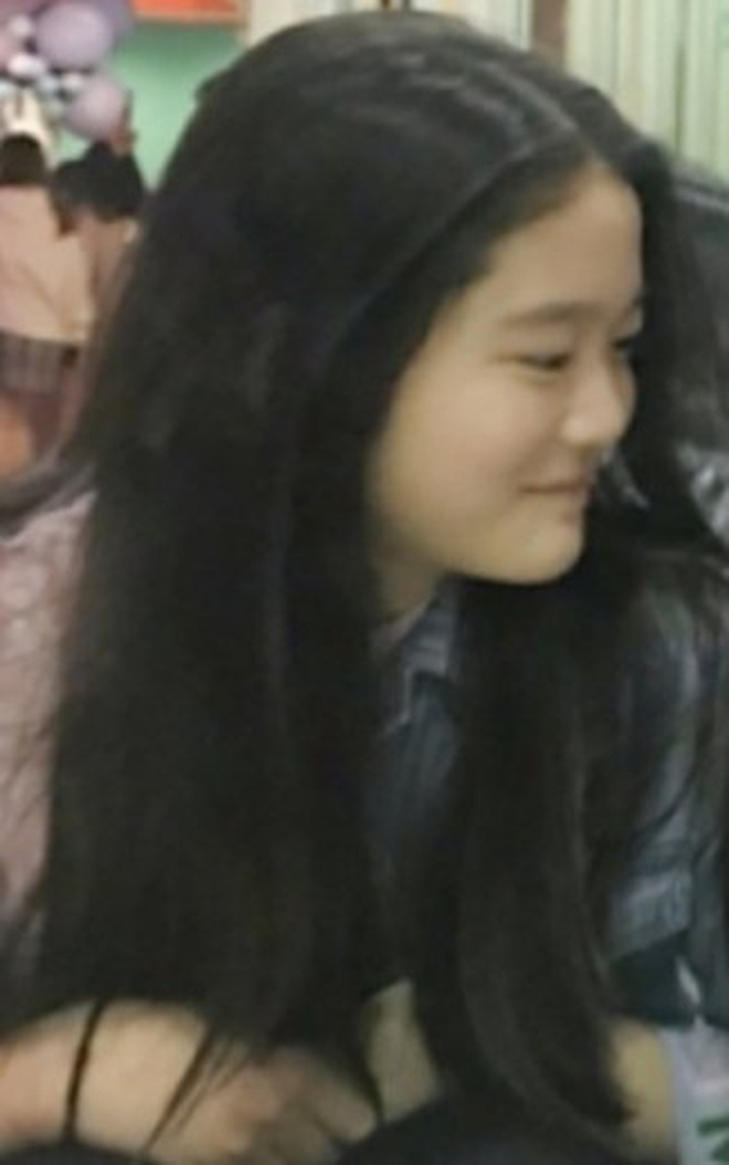 Cháu gái chủ tịch tập đoàn Samsung càng lớn càng xinh, cái nét sang dù đứng ở đâu cũng không thể lu mờ - ảnh 3