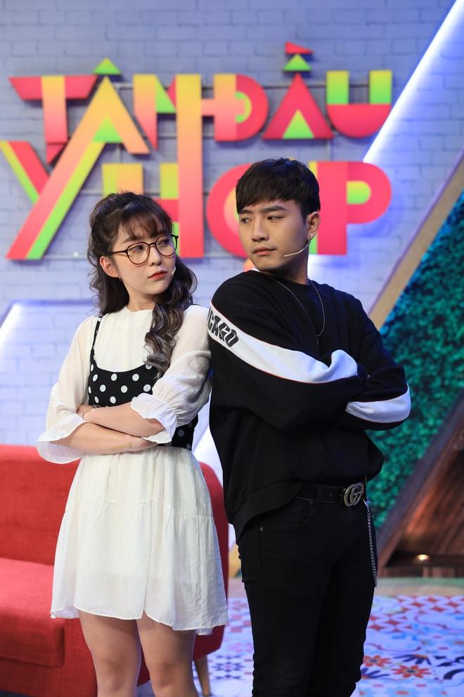 Miko Lan Trinh khiến mọi người xanh mặt khi làm nũng bạn trai trên sóng truyền hình - ảnh 3