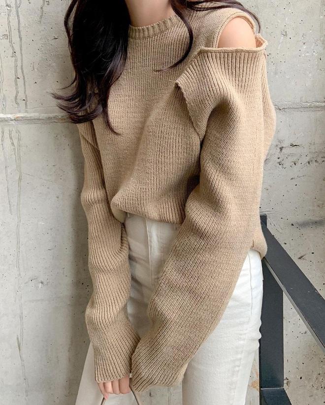6 kiểu áo đáng sắm để mix cùng quần jeans, chị em diện mùa đông là có outfit trendy chuẩn chỉnh - Ảnh 3.