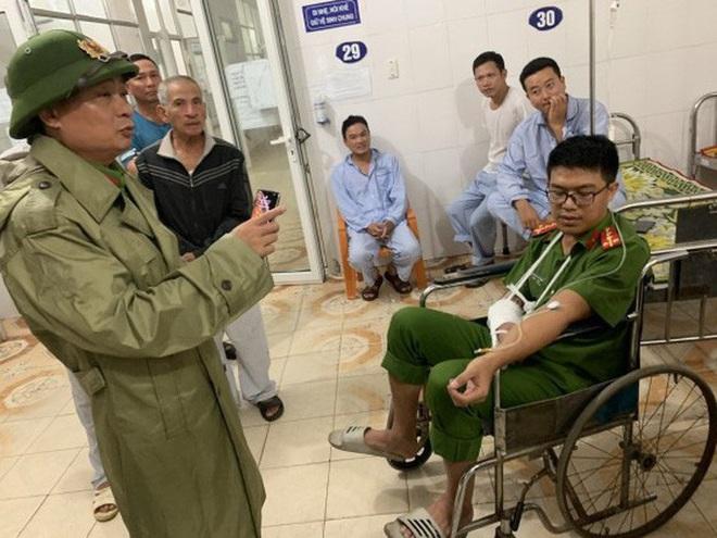 Quảng Bình: Bắt kẻ ngáo đá, chém đại úy công an nhập viện - ảnh 2