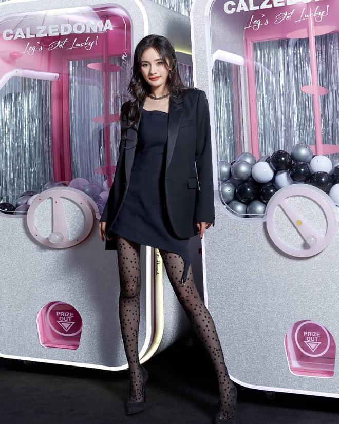 Sao nữ trên thảm đỏ tuần qua: Váy đen dễ mặc là thế nhưng Tống Thiến vẫn bị réo tên - ảnh 3