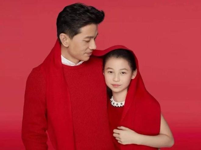 Bức ảnh trâm anh thế phiệt gây chấn động: Cháu gái chủ tịch tập đoàn Samsung đọ sắc cùng hội bạn thân siêu giàu - ảnh 3