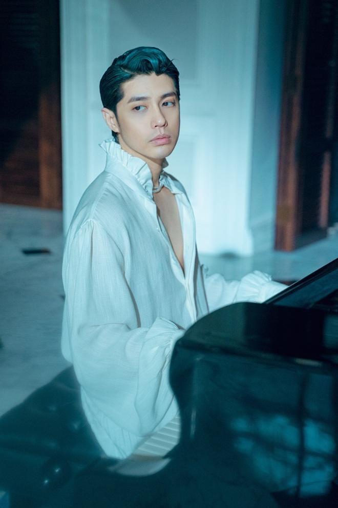 Noo Phước Thịnh bán nude đầy táo bạo trong MV mới, nhạc buồn lụi tim đúng như tuyên bố không hay không lấy tiền? - ảnh 2