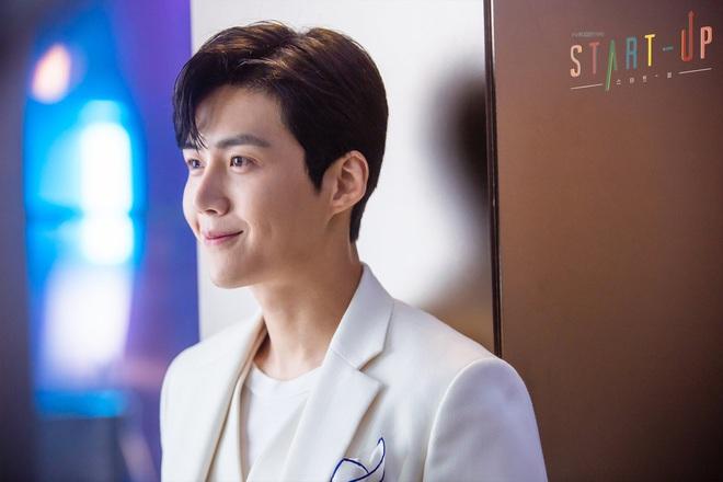 Chàng tình đầu hút fan của Suzy ở Start Up: Ám ảnh tâm lý vì chứng kiến mẹ bị đâm, từng hẹn hò với trai đẹp EXO? - ảnh 26