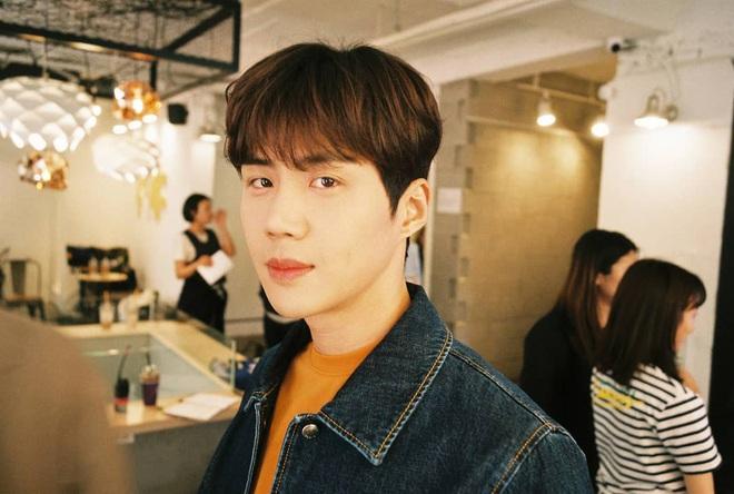 Chàng tình đầu hút fan của Suzy ở Start Up: Ám ảnh tâm lý vì chứng kiến mẹ bị đâm, từng hẹn hò với trai đẹp EXO? - ảnh 4