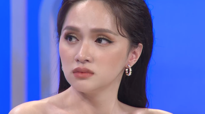 Hương Giang chực khóc khi kể về thời ăn trộm tiền của bố, chiến tranh lạnh vì khao khát chuyển giới - ảnh 1