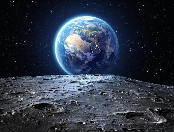 NASA công bố phát hiện chấn động: Có NƯỚC tồn tại trên Mặt trăng - ảnh 1