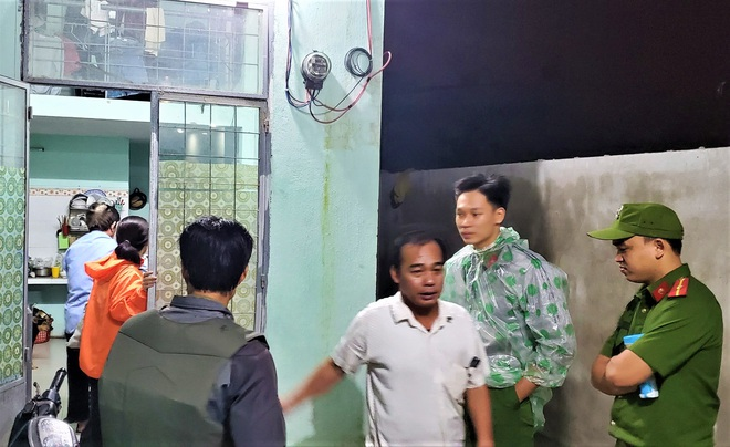 Đà Nẵng sơ tán khẩn cấp 400 hộ dân dưới chân núi Ngũ Hành Sơn ngay trong đêm trước giờ bão số 9 đổ bộ - ảnh 2