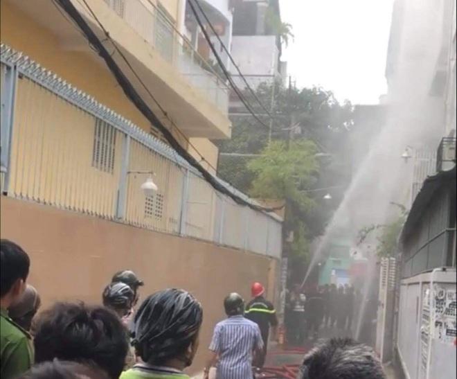 Kẻ sát hại người phụ nữ rồi đốt xác phi tang ở Sài Gòn khai gì tại cơ quan công an? - ảnh 2