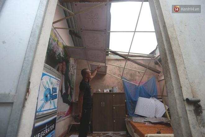 Bão số 9 quần thảo dữ dội trên đất liền: Quảng Nam sạt lở núi vùi lấp nhiều nhà, phần bão mạnh nhất hiện tập trung ở Gia Lai - Kon Tum - Ảnh 4.