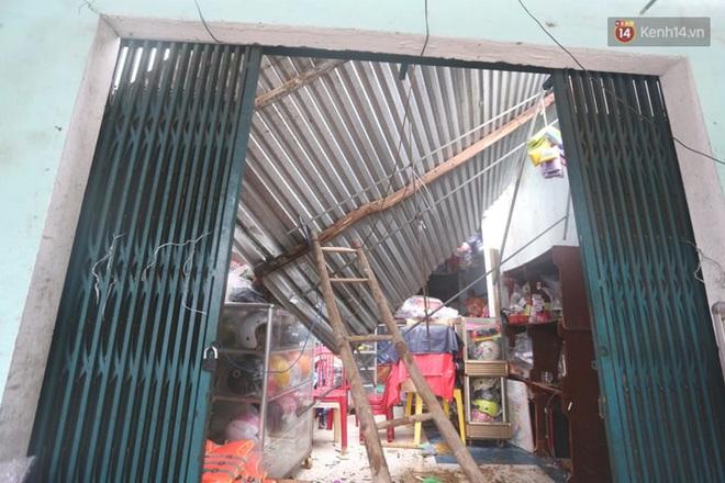 Bão số 9 quần thảo dữ dội trên đất liền: Quảng Nam sạt lở núi vùi lấp nhiều nhà, phần bão mạnh nhất hiện tập trung ở Gia Lai - Kon Tum - Ảnh 5.