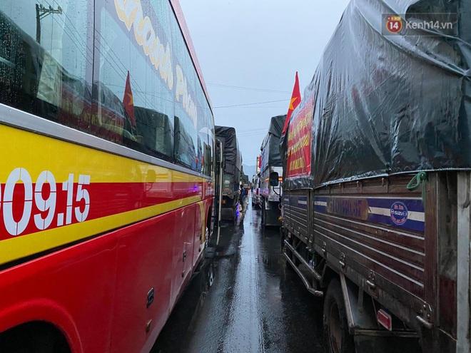 Bão số 9 sắp vào bờ: Đà Nẵng, Quảng Ngãi mưa lớn, gió giật mạnh - Ảnh 4.