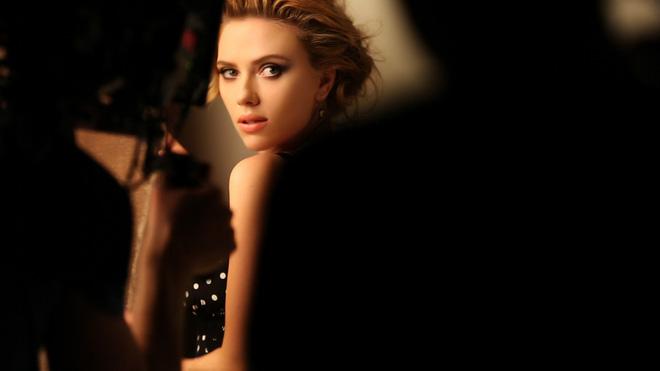 Dân tình mê mệt vì ảnh Goá phụ đen Scarlett Johansson hồi tóc vàng: Góc nghiêng cực phẩm, kéo đến ảnh chưa PTS mà choáng - Ảnh 11.