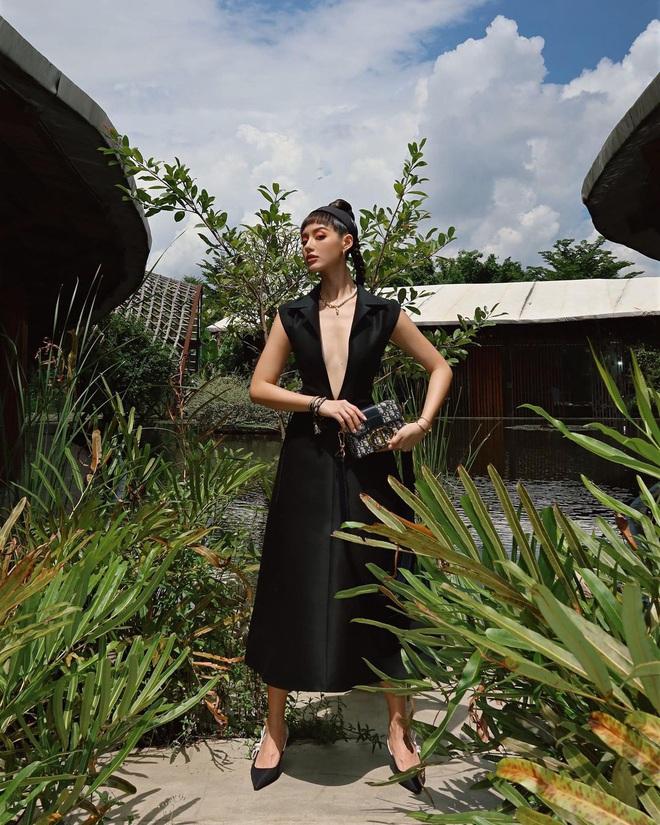 Váy Dior bị Suzy khâu tiệt để hở vừa vừa, Khánh Linh chơi lớn diện luôn bản gốc xẻ ngực sâu hoắm - ảnh 3