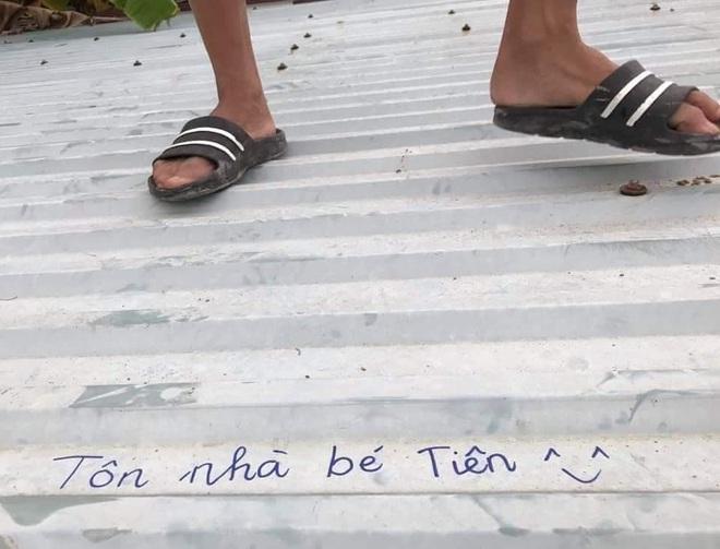 Người dân Lý Sơn viết hẳn tên mình lên mái tôn, đề phòng bão thổi bay nóc vẫn tìm lại được - ảnh 3