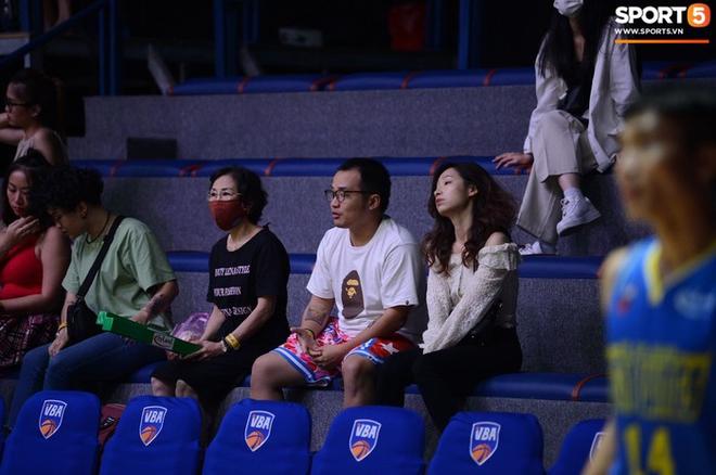 Bất chấp khoảng cách địa lí, rapper Phương Kào (Da LAB) vẫn đến xem giải bóng rổ Việt Nam vì Tâm Đinh - Ảnh 5.