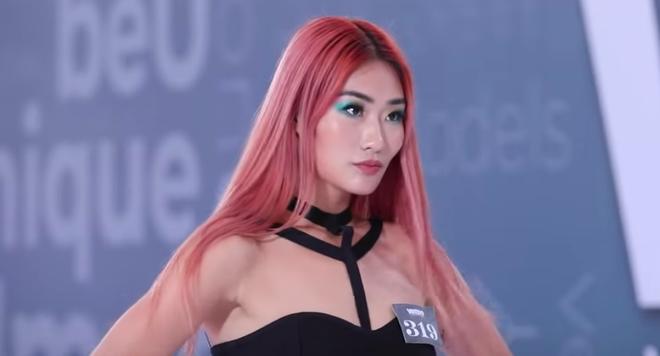 Next Top Model: Hot girl Singapore đọ độ bốc lửa với giám khảo Mâu Thuỷ - ảnh 1