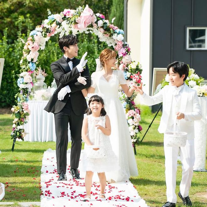 Đại chiến váy cưới của cô dâu màn ảnh Hàn: Seohyun chanh sả nhưng có đọ được với Moon Chae Won, Go Ara? - Ảnh 5.