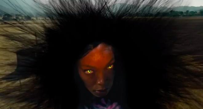 Phát hãi với phim kinh dị về bộ tóc giả ma ám, nhìn nữ chính bị hành mà ngứa hết da đầu - ảnh 7