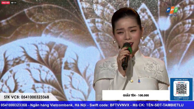 Sau ồn ào ly hôn, Lệ Quyên lần đầu xuất hiện biểu diễn chớp nhoáng trong đêm nhạc từ thiện ủng hộ miền Trung - ảnh 2