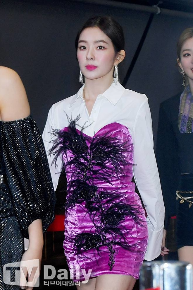 Cùng là 2 bông hoa tai tiếng của SM, nhưng sao style của Irene - Chanyeol lại trái ngược éo le cỡ này? - ảnh 4