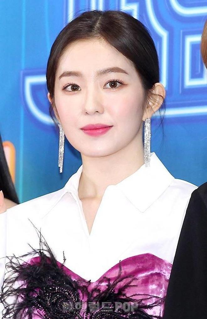 Cùng là 2 bông hoa tai tiếng của SM, nhưng sao style của Irene - Chanyeol lại trái ngược éo le cỡ này? - ảnh 3