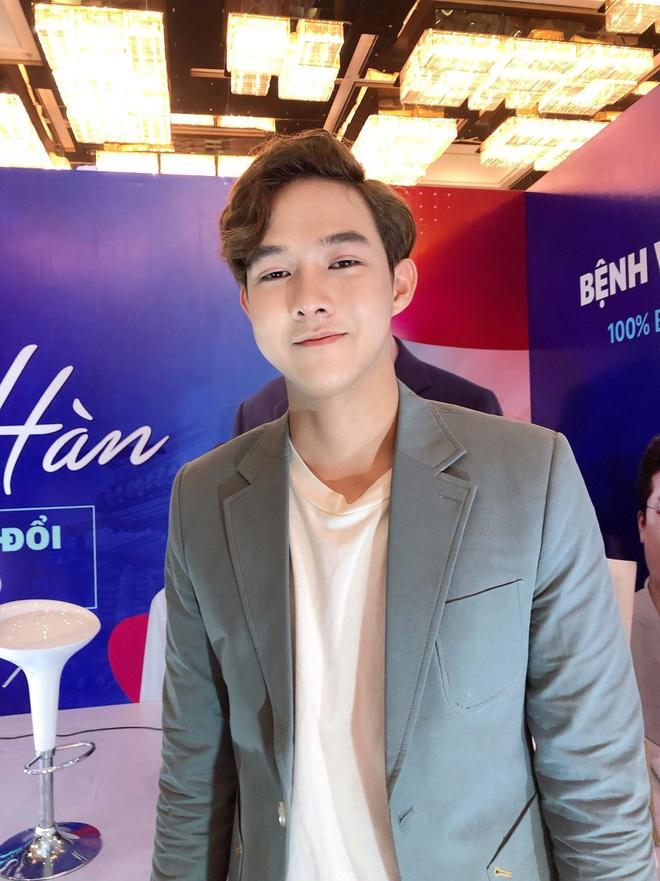 Từng tự ti vì bị chê mặt lệch, chàng trai 2k đập hết xây lại được khen điển trai như Nickhun (2PM) - ảnh 7
