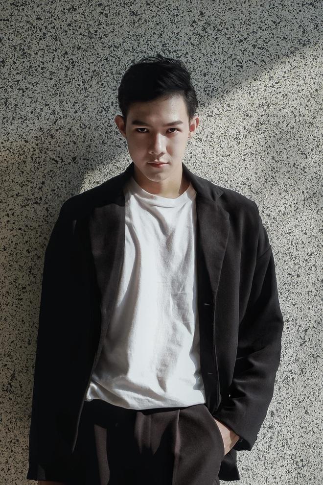 Từng tự ti vì bị chê mặt lệch, chàng trai 2k đập hết xây lại được khen điển trai như Nickhun (2PM) - ảnh 13
