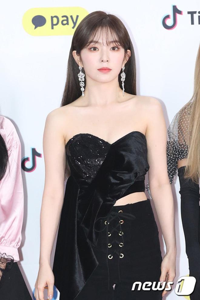 Cùng là 2 bông hoa tai tiếng của SM, nhưng sao style của Irene - Chanyeol lại trái ngược éo le cỡ này? - ảnh 10