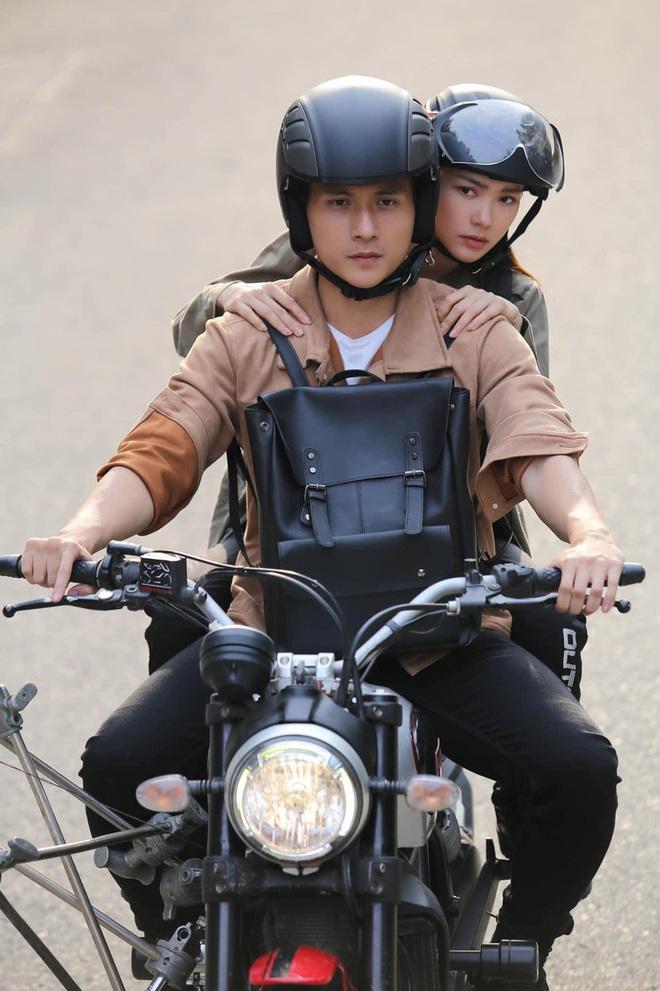 Trai trẻ kè kè cạnh Lệ Quyên trước khi xác nhận ly hôn: Thị vệ trong MV của Chi Pu, mỹ nam gây sốt Người Ấy Là Ai - ảnh 11