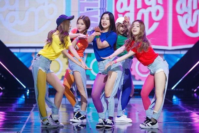 Cùng là 2 bông hoa tai tiếng của SM, nhưng sao style của Irene - Chanyeol lại trái ngược éo le cỡ này? - ảnh 16