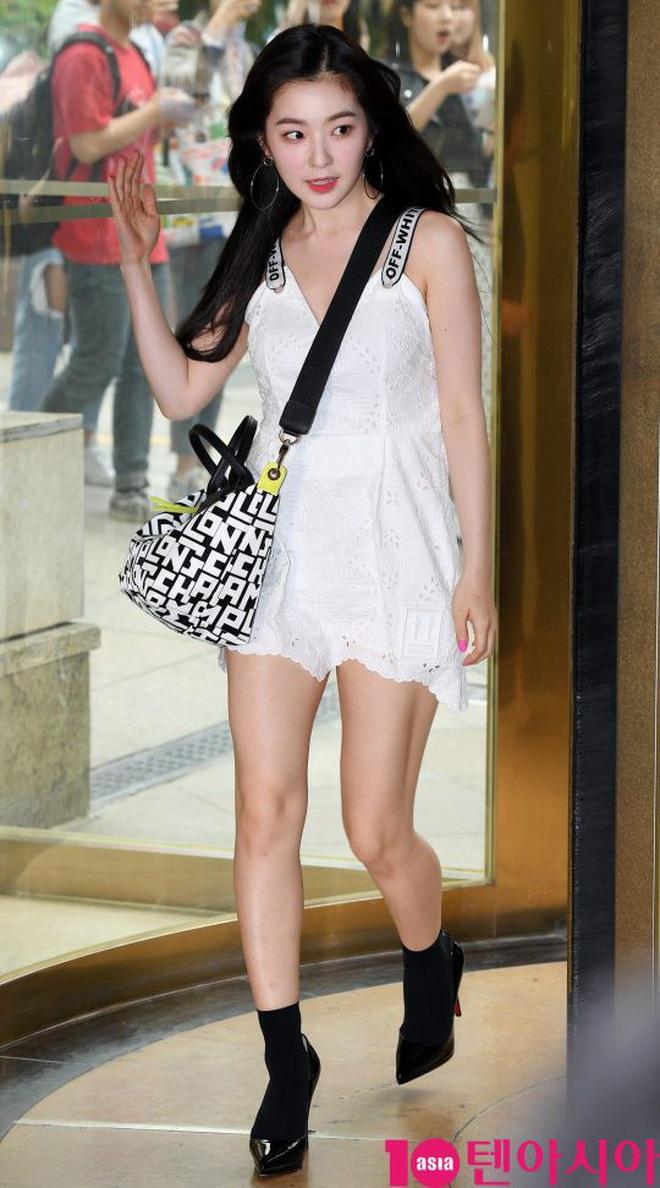 Cùng là 2 bông hoa tai tiếng của SM, nhưng sao style của Irene - Chanyeol lại trái ngược éo le cỡ này? - ảnh 15