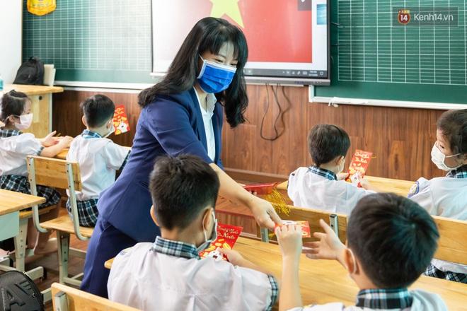 Hỏi giữa Tiếng Việt và Toán, môn nào quan trọng hơn? Con trai có câu trả lời khiến ông bố xin hàng vì quá bá đạo - ảnh 2
