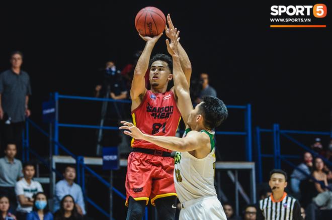 Bóc info về Christian Juzang - Hot boy Việt kiều đang làm dậy sóng mùa giải bóng rổ chuyên nghiệp VBA 2020 - ảnh 1