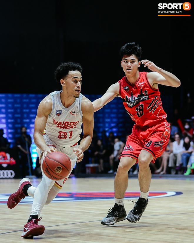 Bóc info về Christian Juzang - Hot boy Việt kiều đang làm dậy sóng mùa giải bóng rổ chuyên nghiệp VBA 2020 - ảnh 2