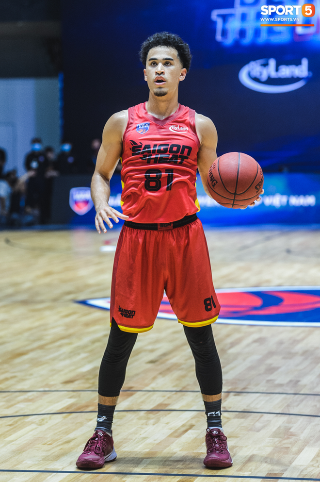 Bóc info về Christian Juzang - Hot boy Việt kiều đang làm dậy sóng mùa giải bóng rổ chuyên nghiệp VBA 2020 - ảnh 3