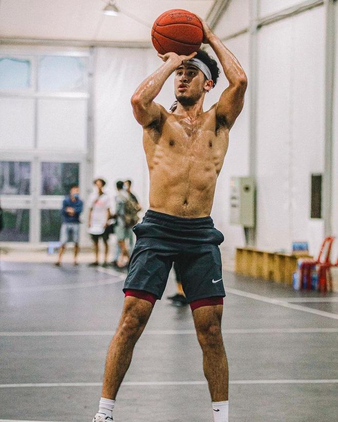 Bóc info về Christian Juzang - Hot boy Việt kiều đang làm dậy sóng mùa giải bóng rổ chuyên nghiệp VBA 2020 - ảnh 6