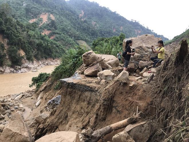 Không thể tìm kiếm những người mất tích tại Phước Sơn bằng thủ công - ảnh 7