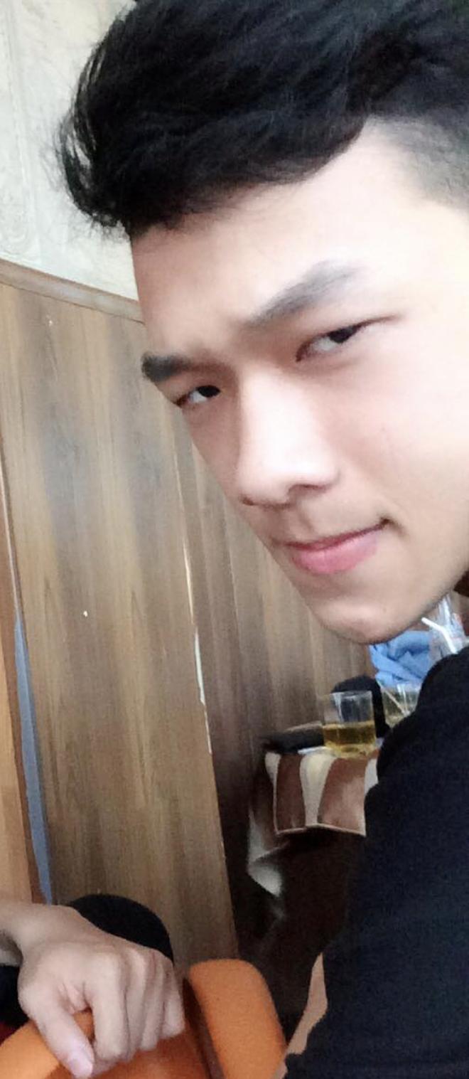 Từng tự ti vì bị chê mặt lệch, chàng trai 2k đập hết xây lại được khen điển trai như Nickhun (2PM) - ảnh 4