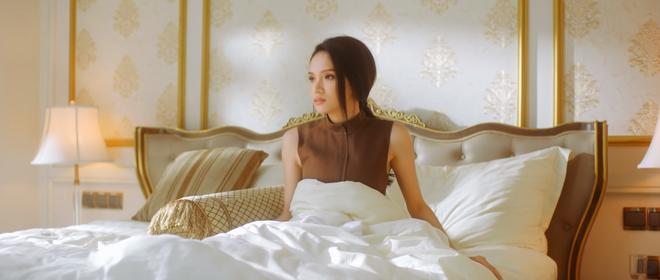 Đâu chỉ nói đạo lí trên show, làm 4 MV thôi mà Hương Giang cũng mang đến loạt quote văn vở thế này cơ mà? - ảnh 1